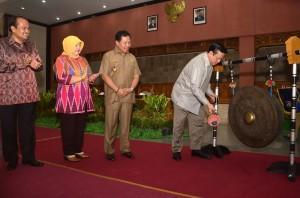 Menkokesra Launching Gerbang Kampung di Lobar