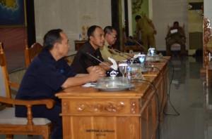 Dari kiri, Ir. Catur Sentane, Wabup H. Fauzan Khalid dan Sekda HM Uzair