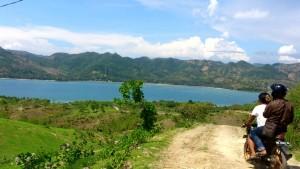 foto destinasi wisata di teluk Mekaki Desa Pelangan Kecamatan Sekotong yang belum digarap maksimal