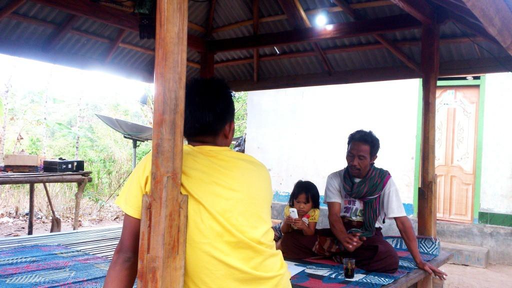 foto rumah warga didusun Lebar Suren bisa terlayani   listrik PLTS