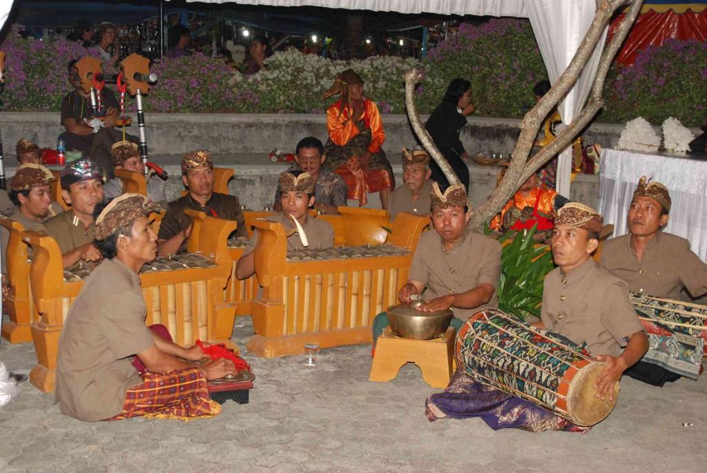 gamelan lombok