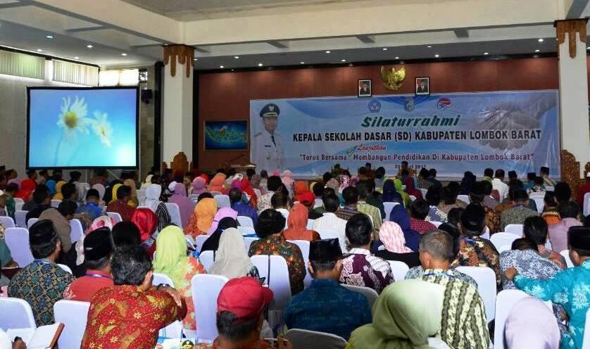 Tingkatkan Wawasan Kebangsaan, Dinas Pdk Lobar Kumpulkan Ratusan Kepala Sekolah